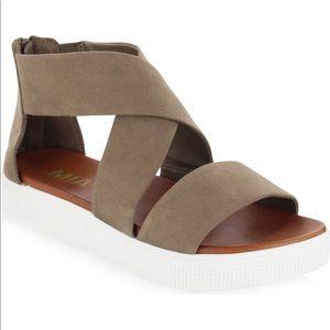 MIA Zion Platform sandals in taupe